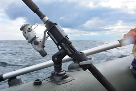 KOLAG Uchwyt wędki z zestawem do montażu na pokładzie nadmuchiwanym (kolor: czarny) 22678859